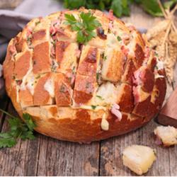 Cheesy Bacon Pull Apart Bread