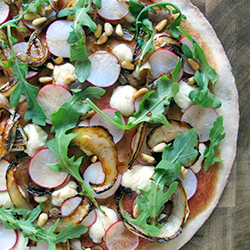 Pizza/Pie Topping with Caramelized Onions and Pine Nuts